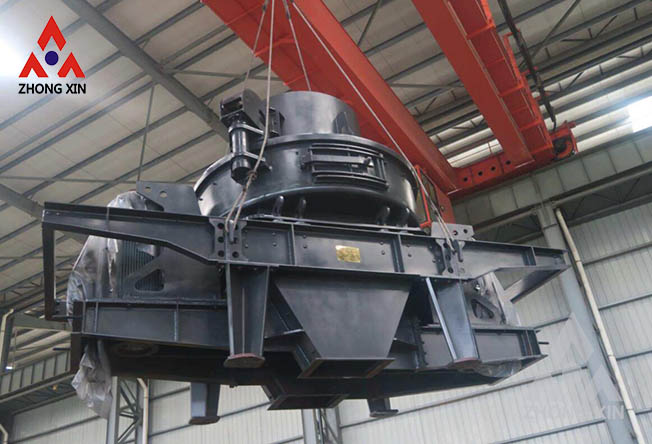 How to extend the service life of sand making machine parts